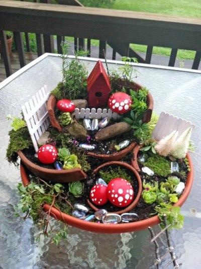 Cathy Strate's 'broken pot' garden