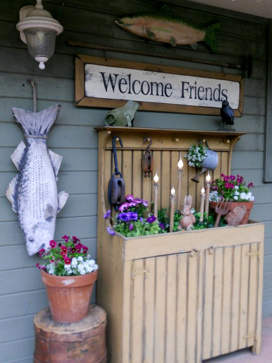 A fine welcome to Annie's front porch