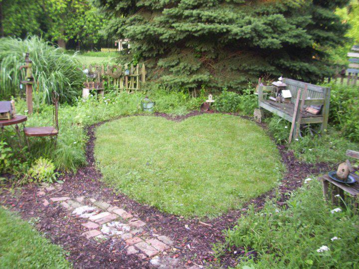 Dean Jacobs McCall's Heart-shaped garden