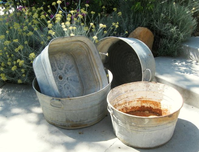 My galvanized wash tub garden | Flea Market Gardening