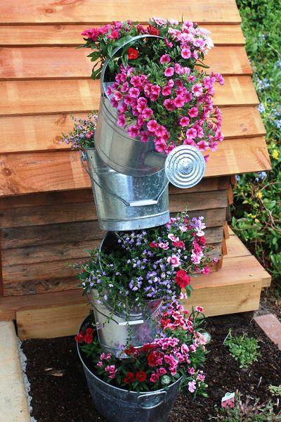 Yvonne Bloemendaal's tipsy galvanized pots 2