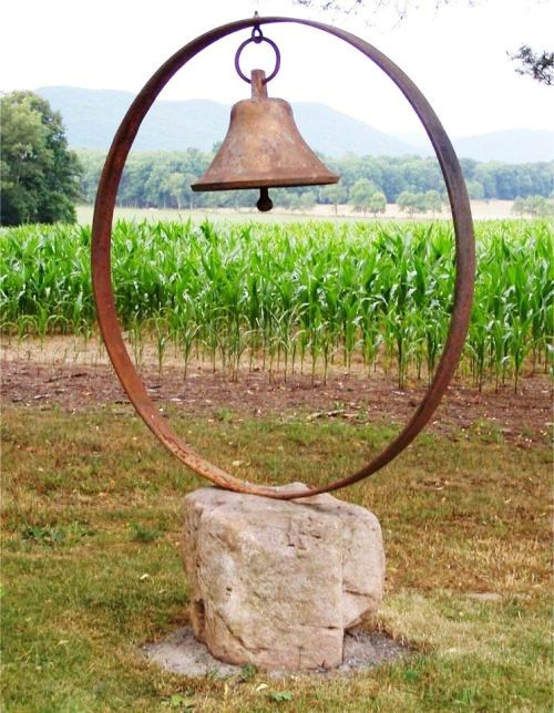 George's stunning bell sculpture really took our notice!