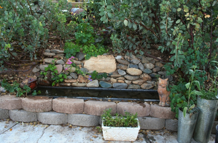 How to make a water feature from an old planter box