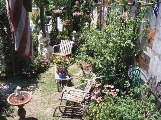A garden of delights at the Flea market