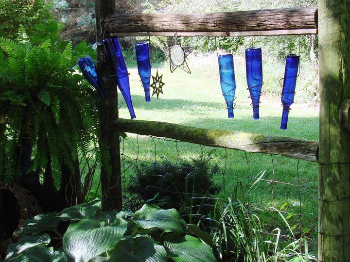 Jeanne Sammons's wine bottle 'fence'