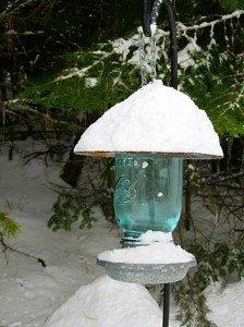 Kirk Willis' Mason jar bird feeder