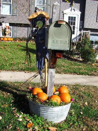 Nancy Anne's galvanized tub mailbox