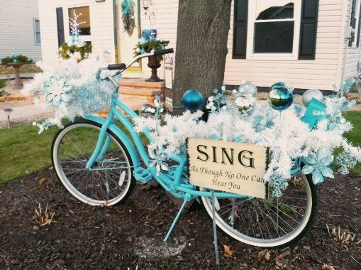 21 Fun Flea Market Holiday Decorations Indoors Or Out Gardening