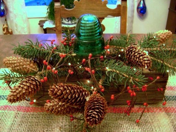 Marie Niemann's berries and cones tablescape