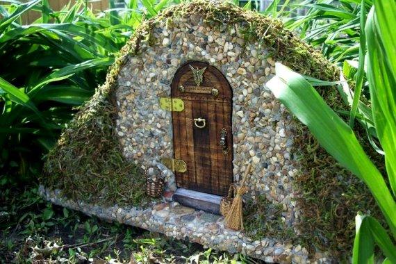 Helen Eyers'  fairy door