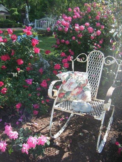 Creating A Vintage Flea Market Garden Flea Market Gardening