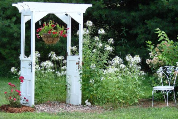 Making snazzy re purposed garden arches Flea Market Gardening