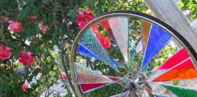 Stained glass spinner - featured