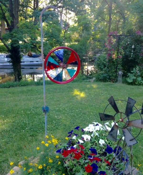 Make A Stained Glass Garden Spinner Flea Market Gardening