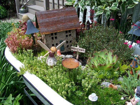 Fairy Garden Ideas Diy fairy garden in a tray or basket Arlene Brennemans Tiny House Centers The Miniaturel Garden