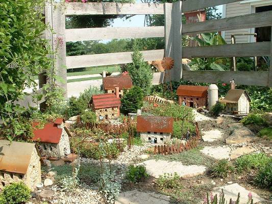 How To Make a miniature garden with Diana Flea Market Gardening
