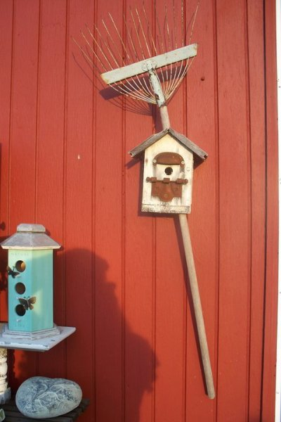 Flea2Fab's artist, Sue Gerdes displays a birdhouse