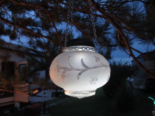 sensational recycled solar lights in the garden flea market gardening. Black Bedroom Furniture Sets. Home Design Ideas