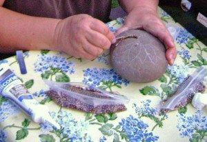 Here Sue makes a sunflower design