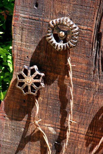Spigot handles, closer view