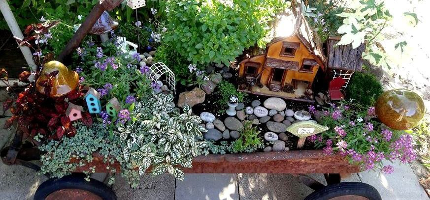 Miniature Fairy Garden Ideas fairy garden3 Create A Fun Fairy Garden With Jeans Clever New Ideas