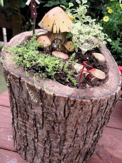Jeanie's finished woodsy fairy garden