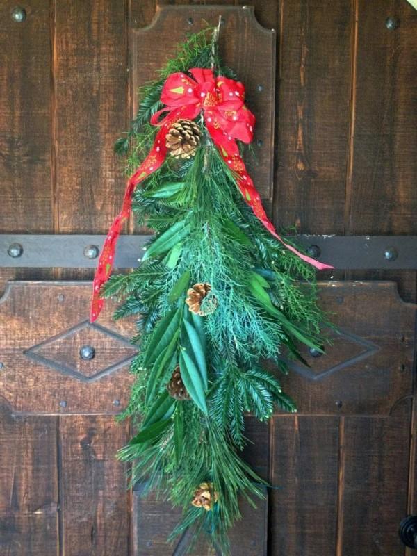 Welcoming Flea Market Holiday Wreaths Flea Market Gardening