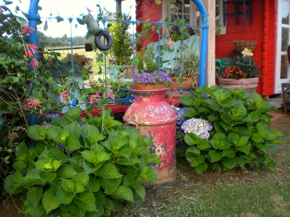 Billie 39 S Rustic And Romantic Country Garden Sierra News