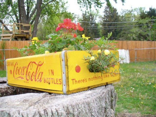 Shelly Trumpulis's bright chrome yellow crate