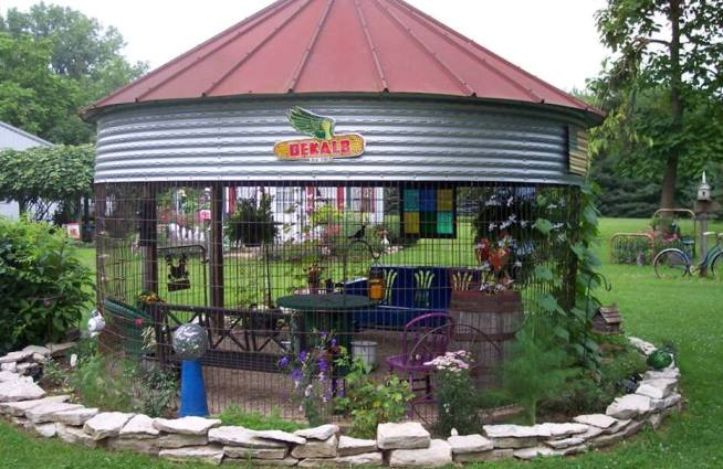 How To Make A Garden Gazebo From An Old Corncrib Flea