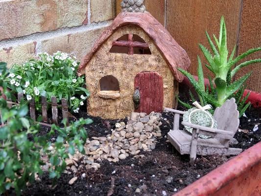 Jeanie Merritt's cozy fairy house