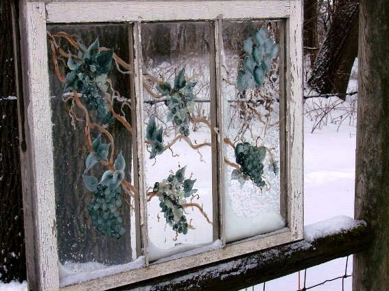 Jeanne Sammons's ivy painted window