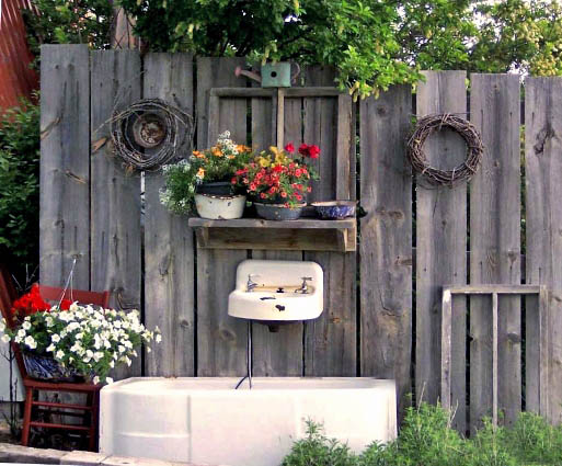 Nancy Butcher's tub and sink combo