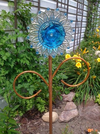 Garden Flower Art easy to make dish flowers | flea market gardening