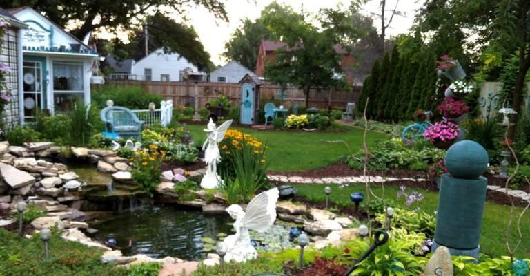 Ann Elias 's garden in front of her cottage