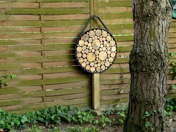 Guess what makes up this garden art?