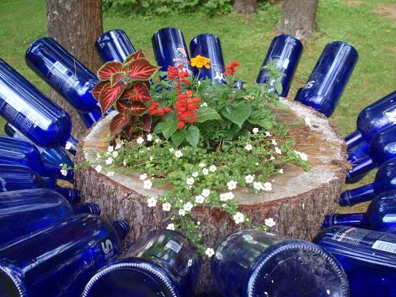 Cherrie Carine's glassy  flower design