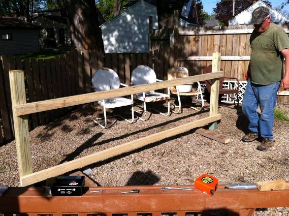 Ann's hubby used some 2X4's to build a frame