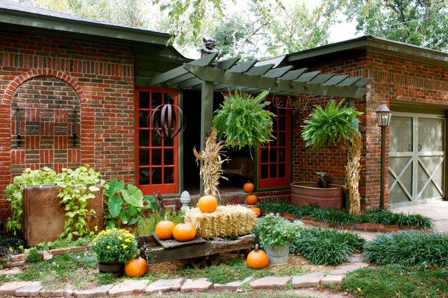 Barb Brashier's Autumn welcome