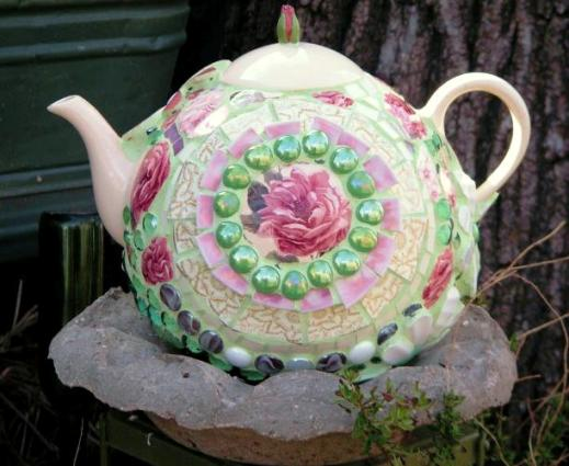 Becky Norris's teapot bowling ball