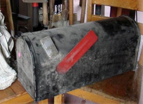 Jeanne Sammons found this old mailbox