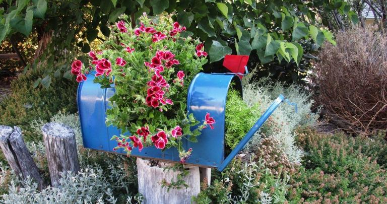 Upcycle a Garden Mailbox