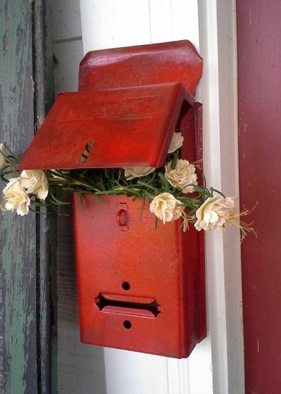 Billie's 'reddish' mailbox
