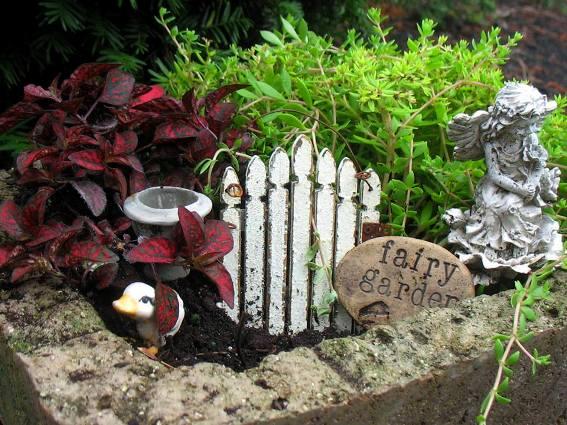 Jenny Alexander's charming, but easy garden