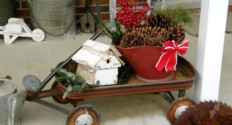 Cute and quick Holiday porch