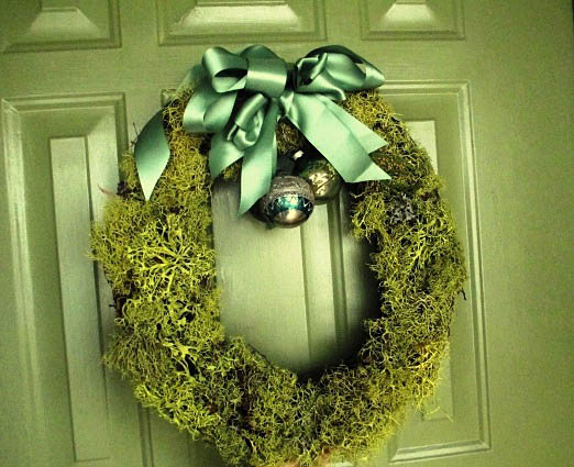 Lichen wreath