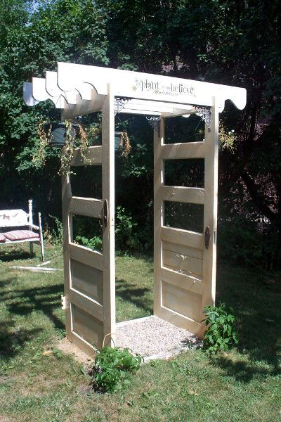 Sue Gerdes gave this door arbor to her daughter