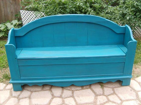 Veronica Butler's beautiful bench after its transformation!