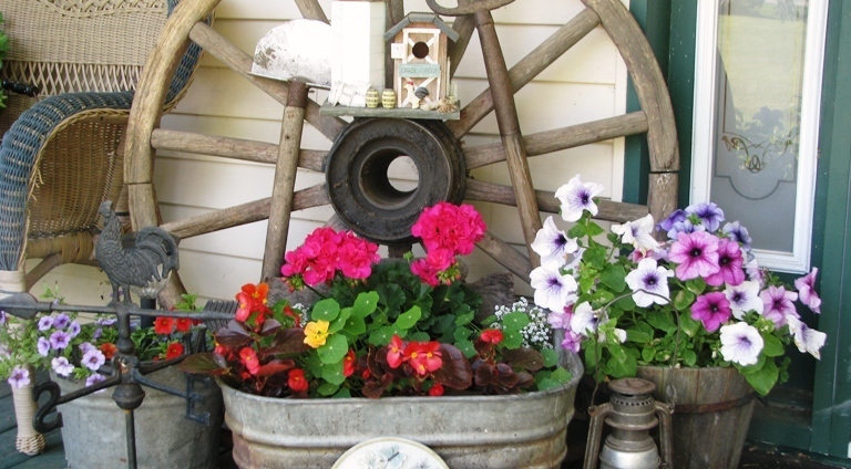 Create a Flea Market Garden vignette-featured