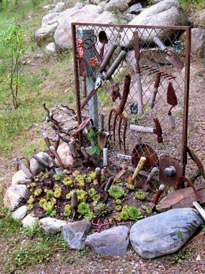 Create A Flea Market Garden Vignette Flea Market Gardening